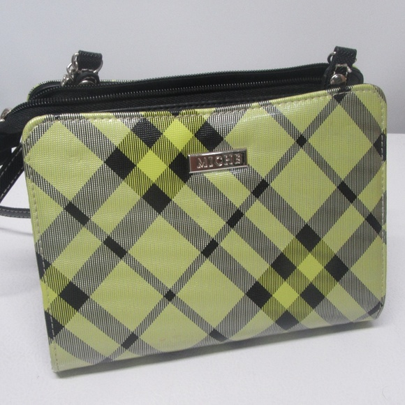 Miche Handbags - Brand New Miche Petite Black Base with Dora Shell